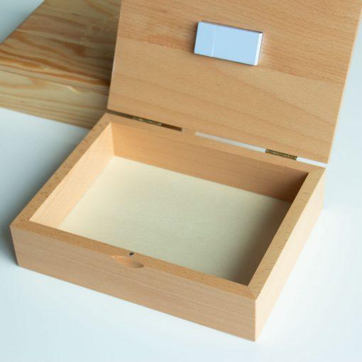 Caja para fotografías y pendrive